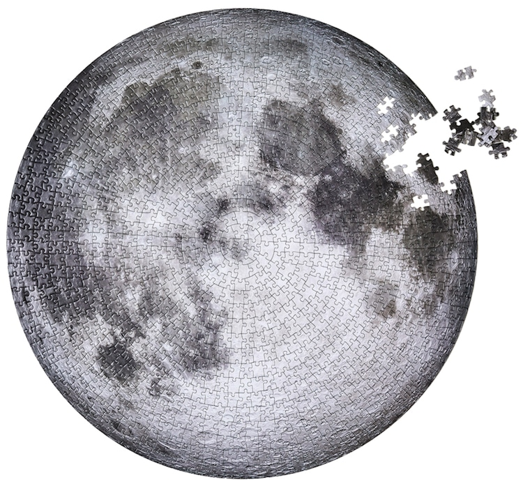 Four Point Circular Moon Puzzle