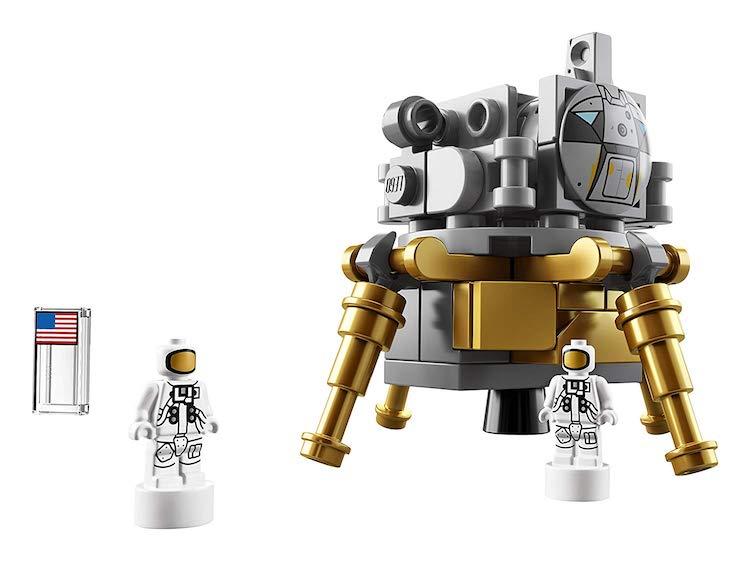 Saturn V LEGO Set