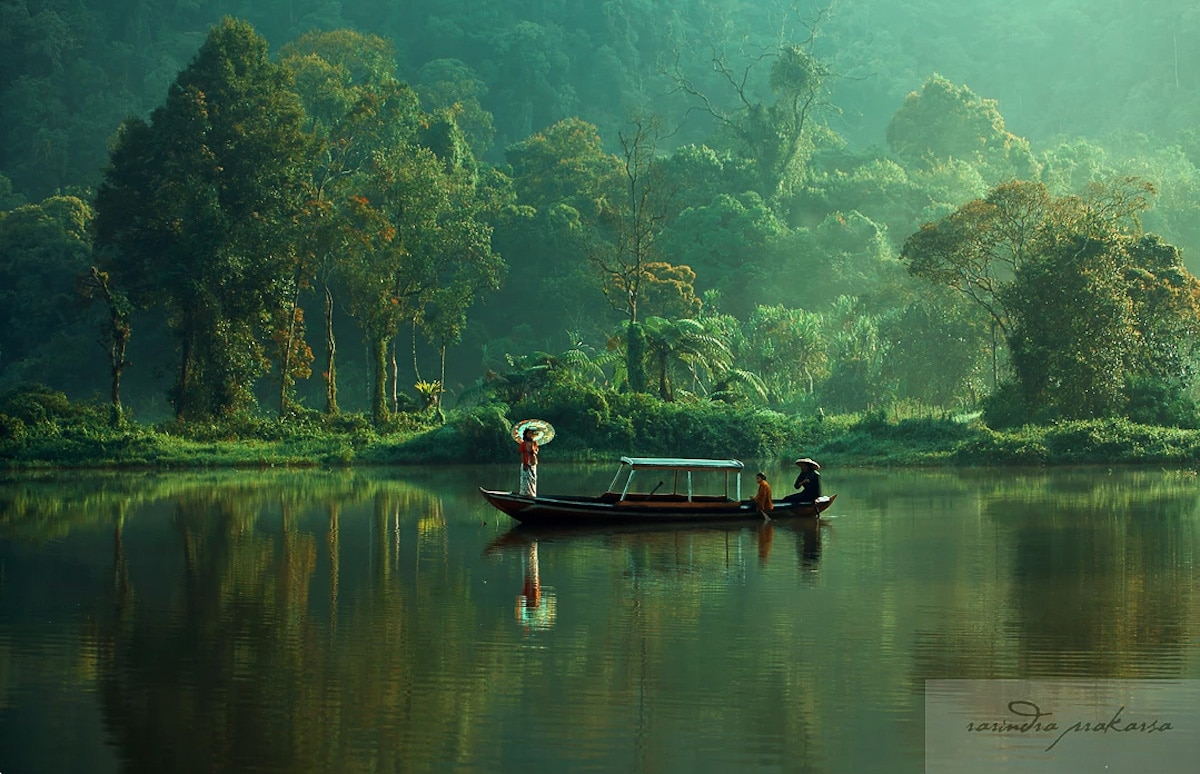 Cinematic Photo of Indonesia by Rarinda Prakarsa