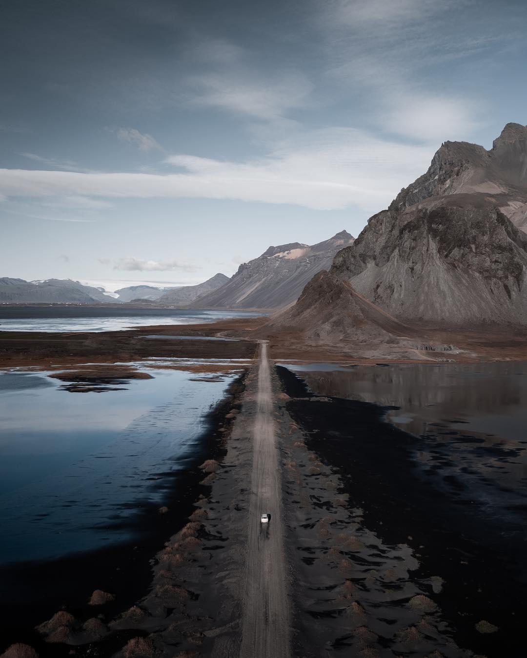 paisaje con dron por Simeon Pratt