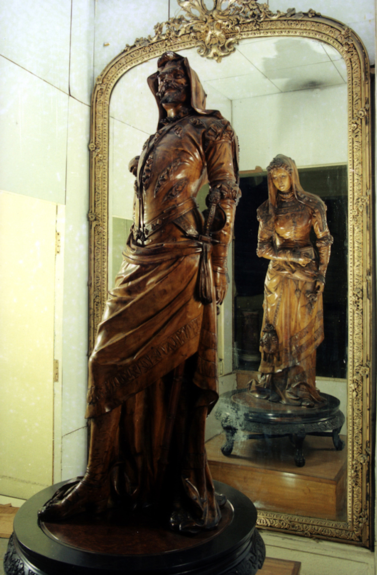 Mephistopheles and Margaretta Sculpture at the Salar Jung Museum