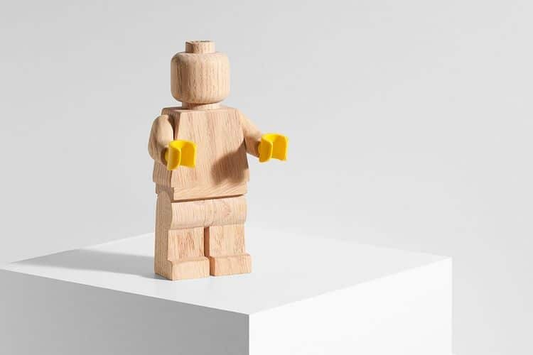 Minifigura de madera retro de LEGO