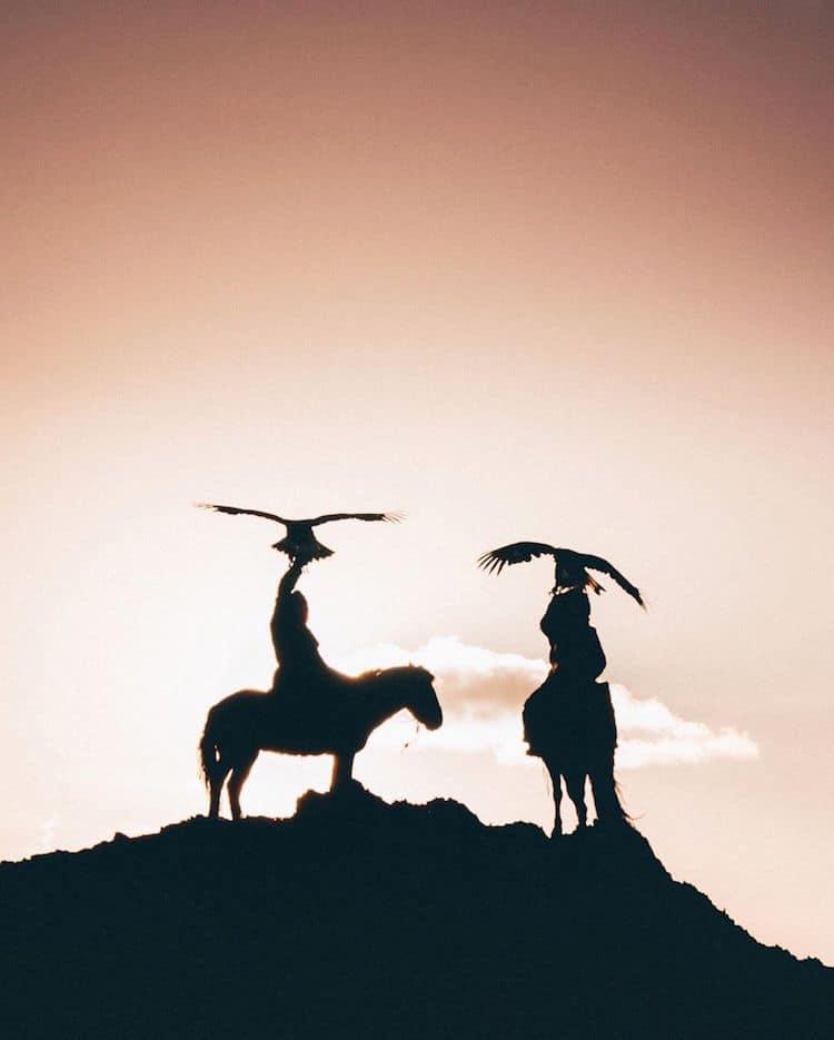 Mongolian Eagle Hunters Photos by Leo Thomas