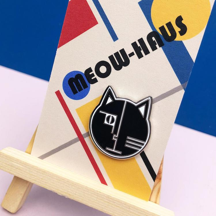 Niaski Bauhaus Cat Pin