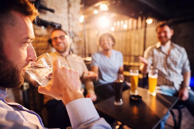 Barras sobrias, los bares sin alcohol