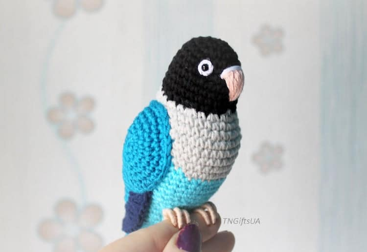 Amigurumi Bird Sculpture