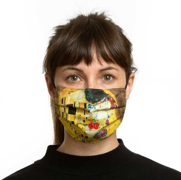 The Kiss Face Mask