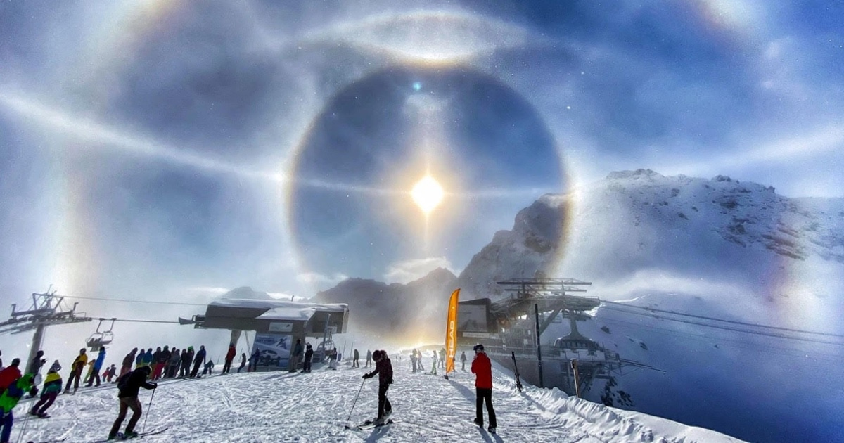 Smartphone Takes Viral Photo of Light Halos in the Swiss Alps