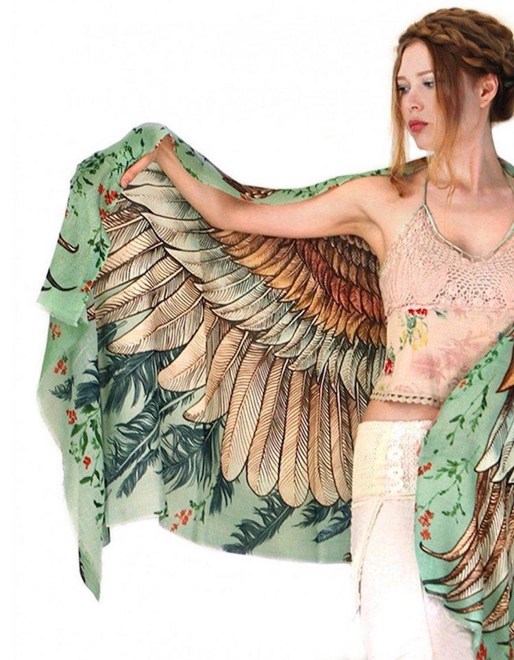 mascada de alas de pajaro