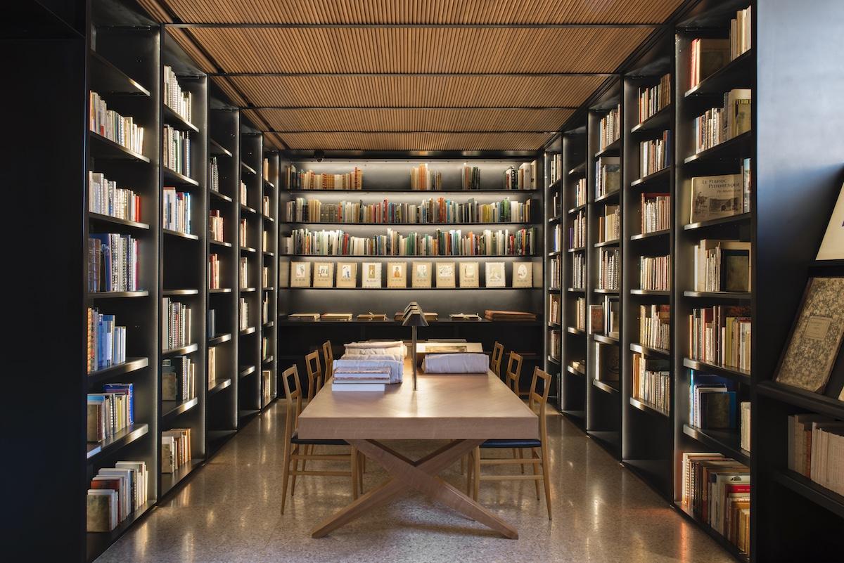 Musée Yves Saint Laurent Marrakech Library