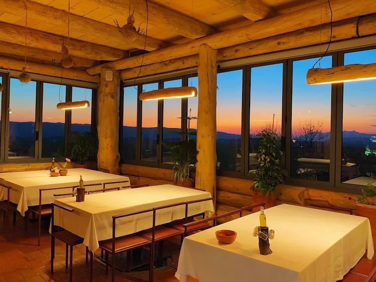 Mrizi i Zanave Agroturizëm interior del restaurante