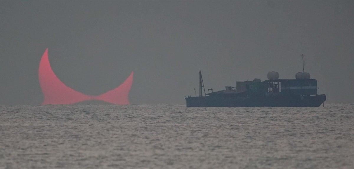 eclipse parcial anular ilusion optica Elias Chasiotis