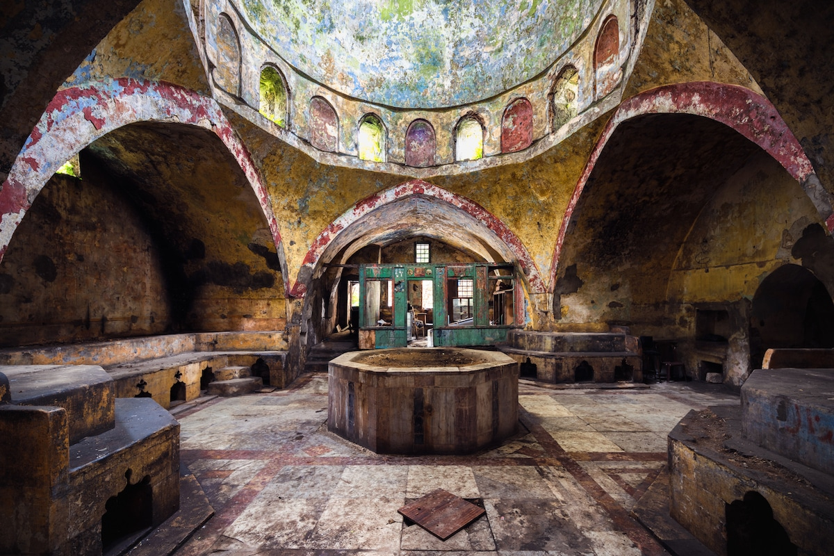Abandoned Hammam in Beirut