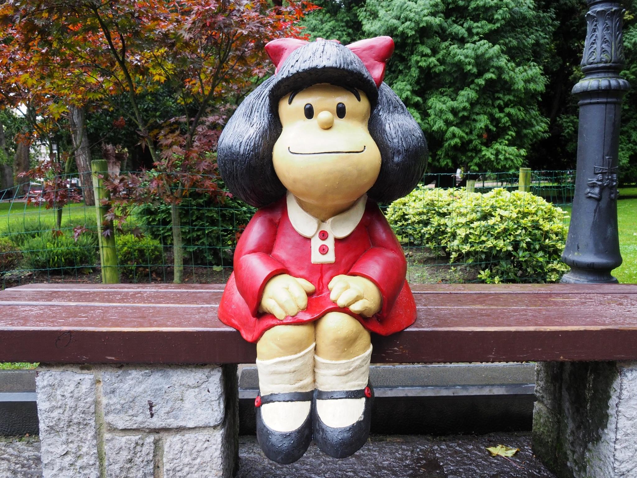 Estatua de Mafalda en Oviedo, España