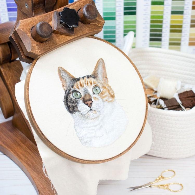 bordado de mascotas por Michelle Staub