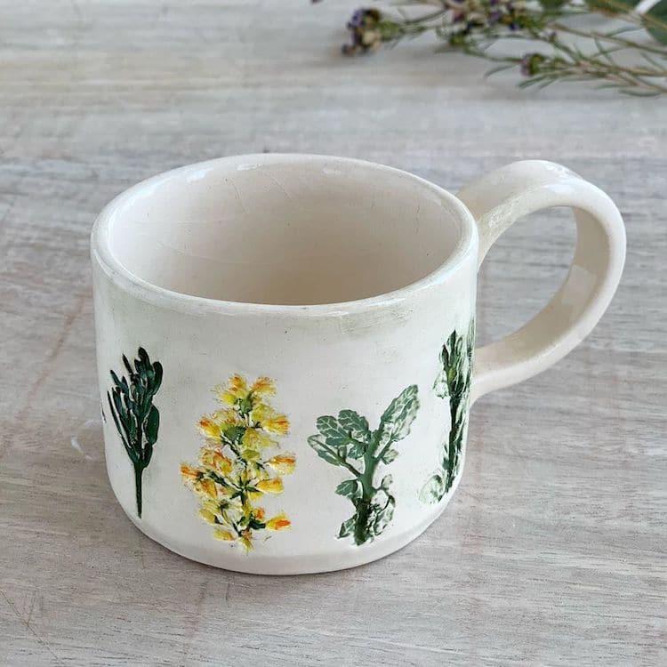 Hessa Al Ajmani ceramica de flores