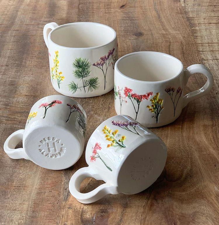 Hessa Al Ajmani ceramica con flores