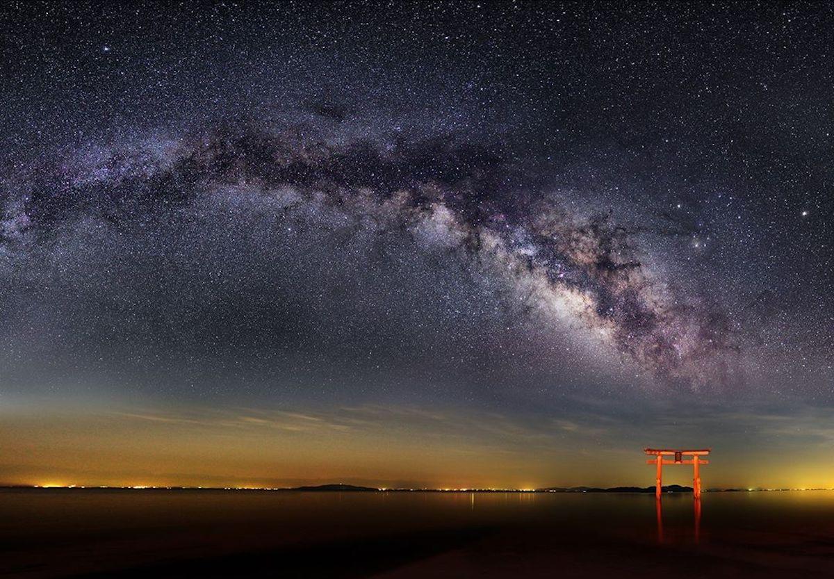 fotografia de cielo estrellado por Nori Yuasa