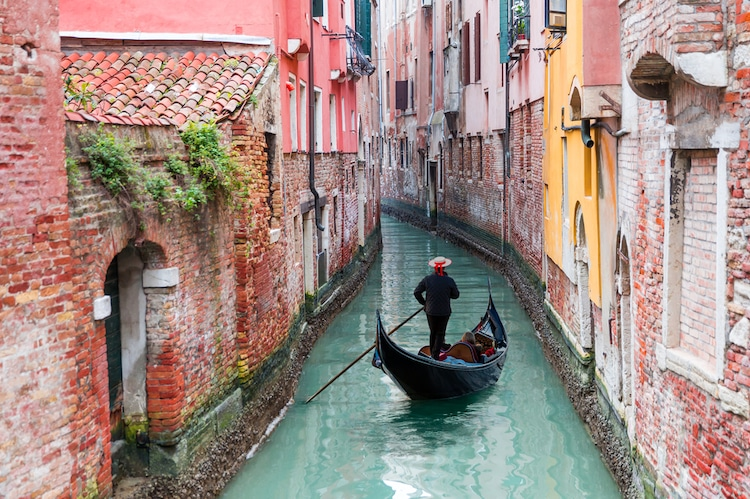 Clean Canals in Venice During Coronavirus