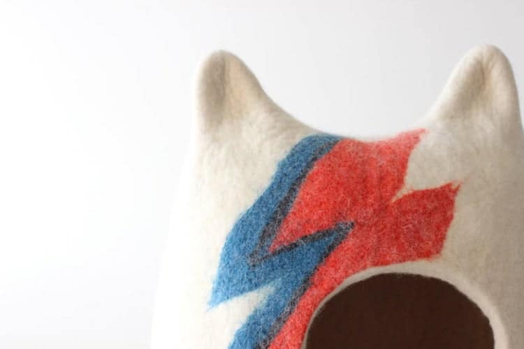 Ziggy Stardust Cat Bed