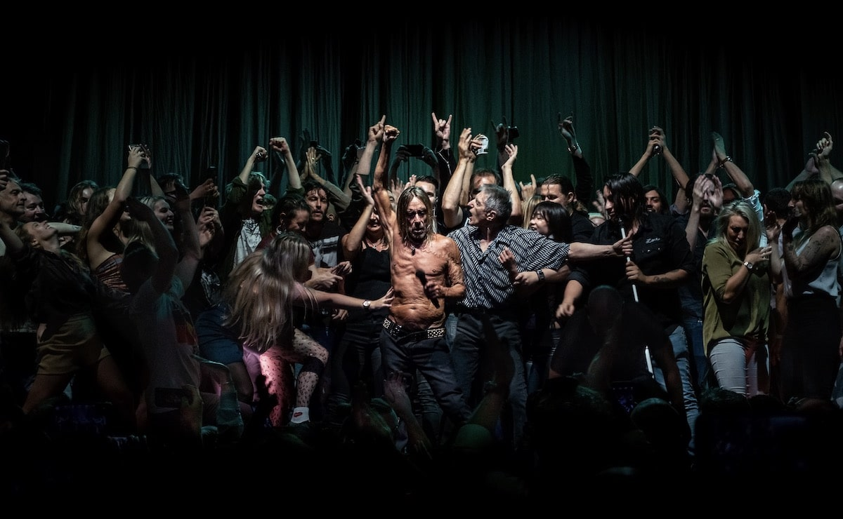 Iggy Pop Dancing On Stage with Australian Fans