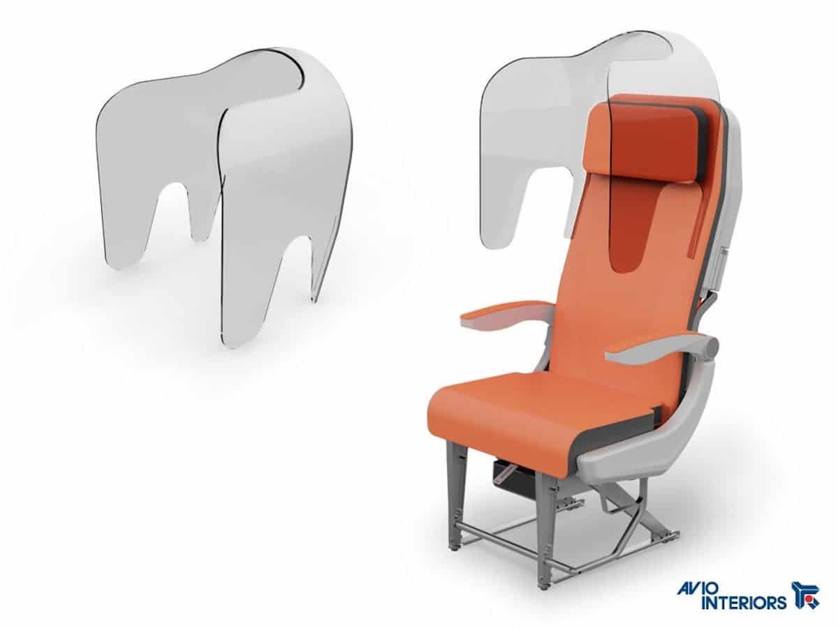 Asientos de avión con protectores transparentes