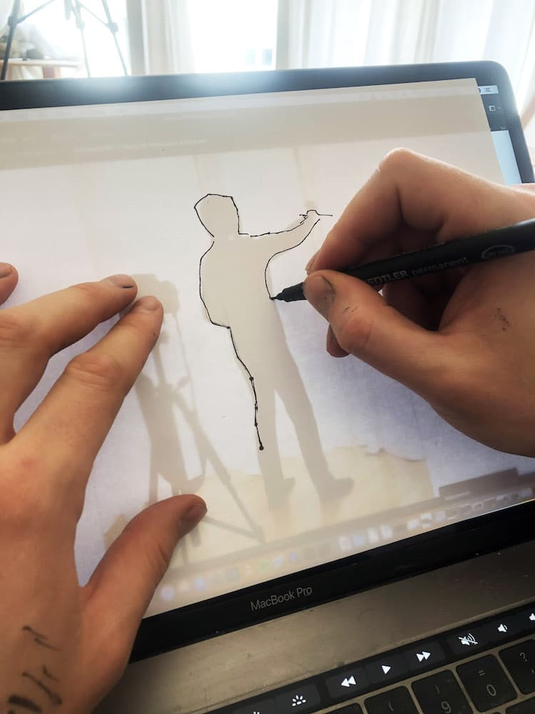 Tracing Silhouette on a Tablet