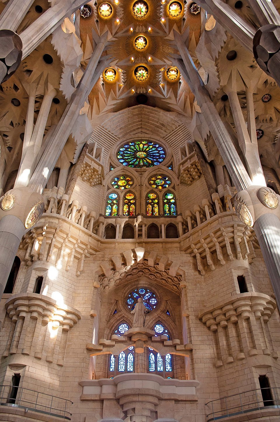 Interior deSagrada Familia