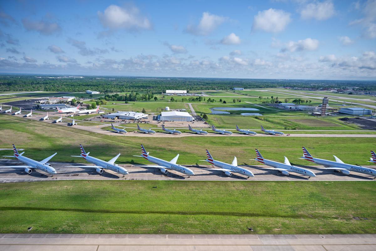 Aviones de American en el aeropuerto internacional de Tulsa