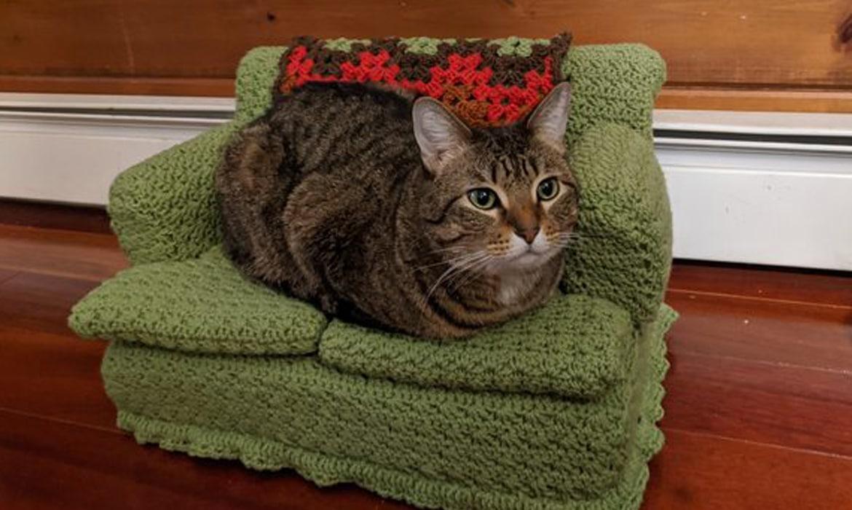 Sweet kitty amigurumi pattern | Amiguroom Toys | 700x1170