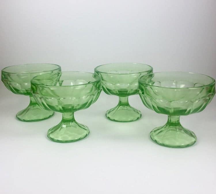platos para postre de Depression Glass o vidrio de la depresion