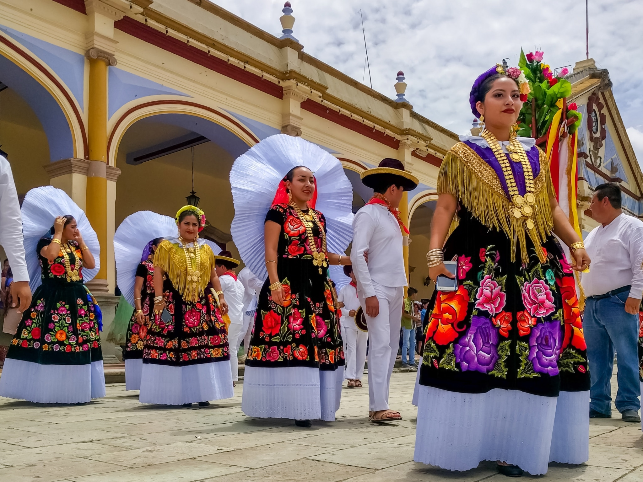 Vestimenta tradicional de la Guelaguetza