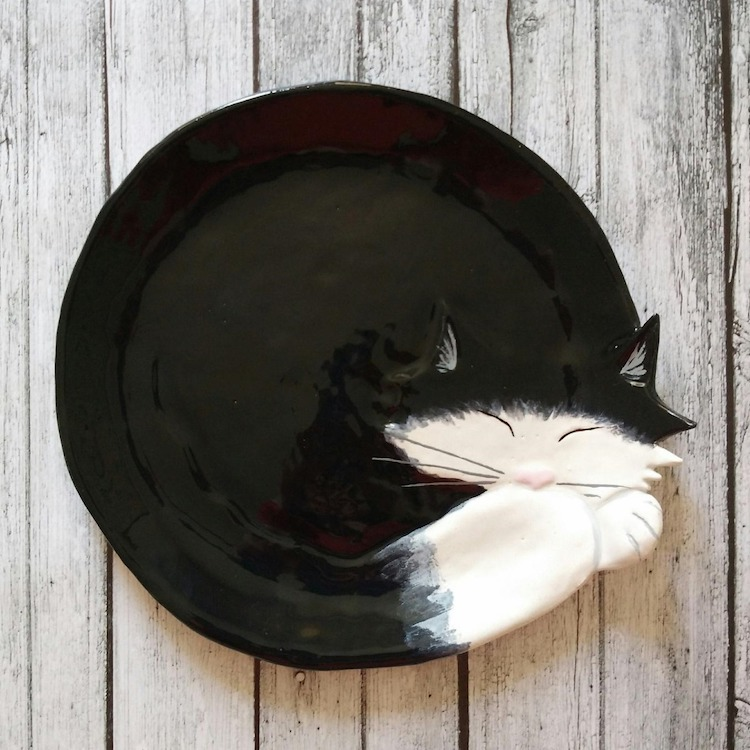 Ceramic Cat plates by Taniko Ga