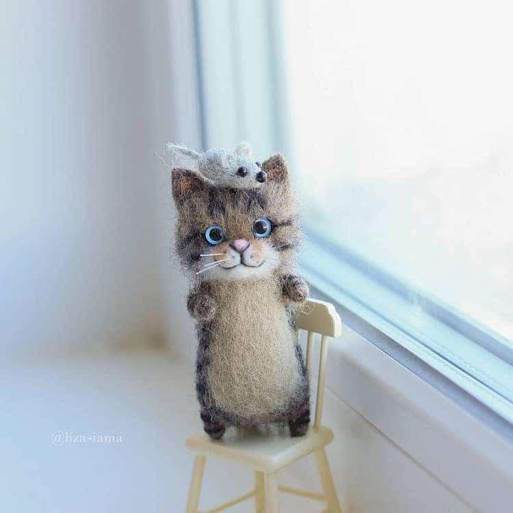 gatos de fieltro por Elizabeth Delektorskaya