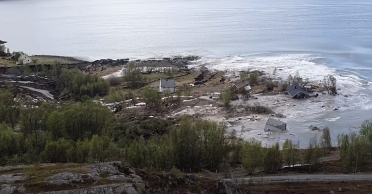 Mudslide in Norway Bringing Homes Into the Sea