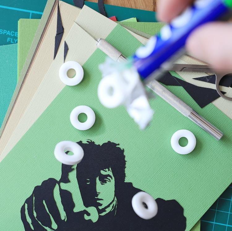 siluetas de papel en casa por Rich McCor Paperboyo