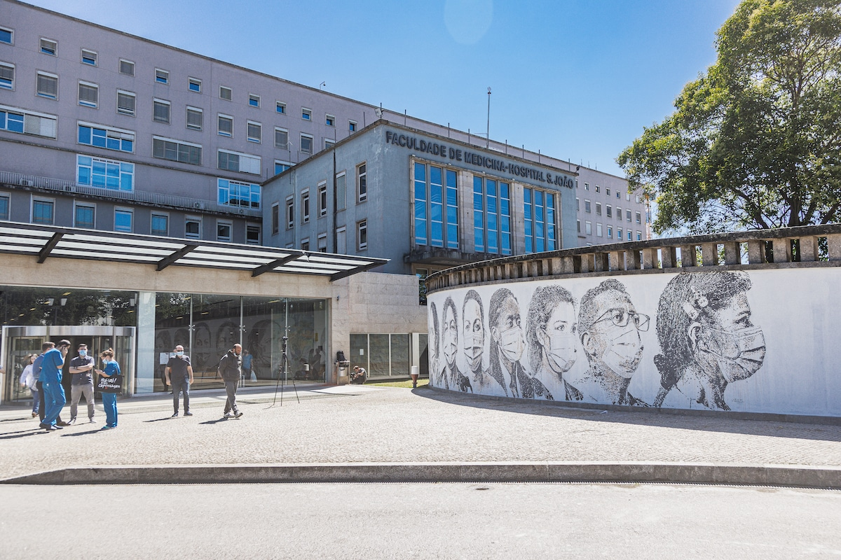 Healthcare Worker Tribute by Vhils at Hospital in Portugal