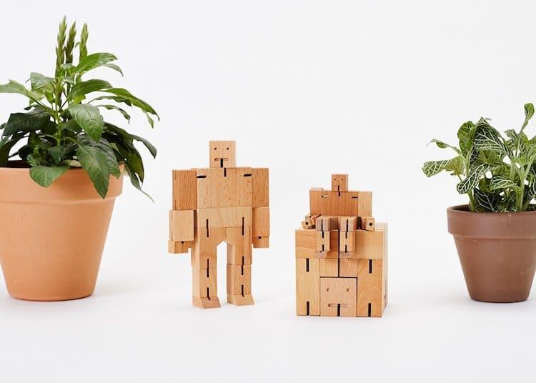 Cubebot Natural Wood