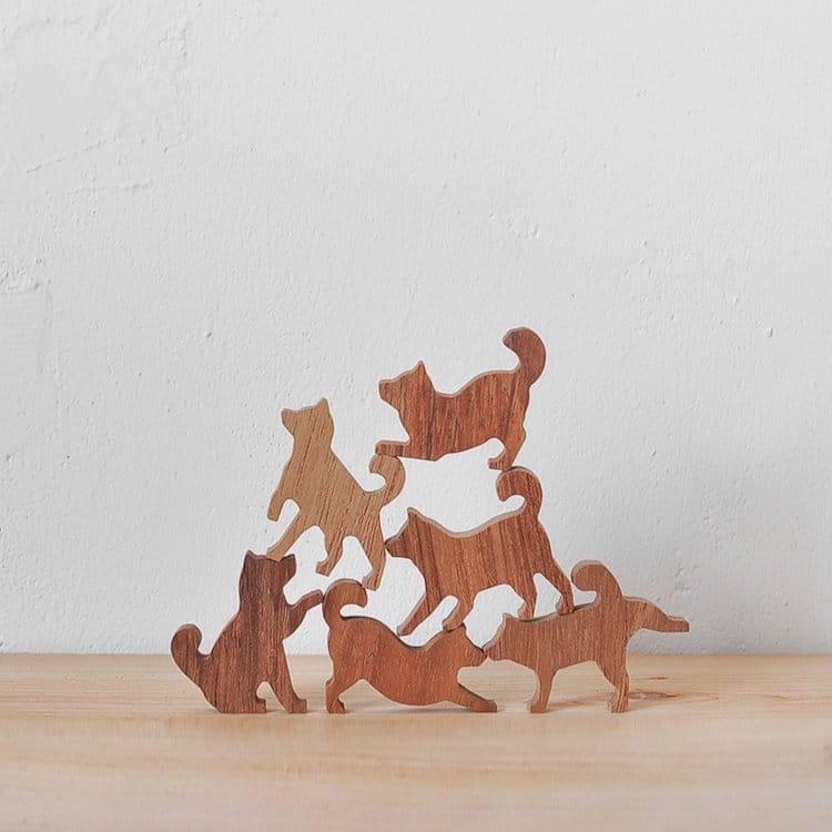 jenga de apilar perros por Comma