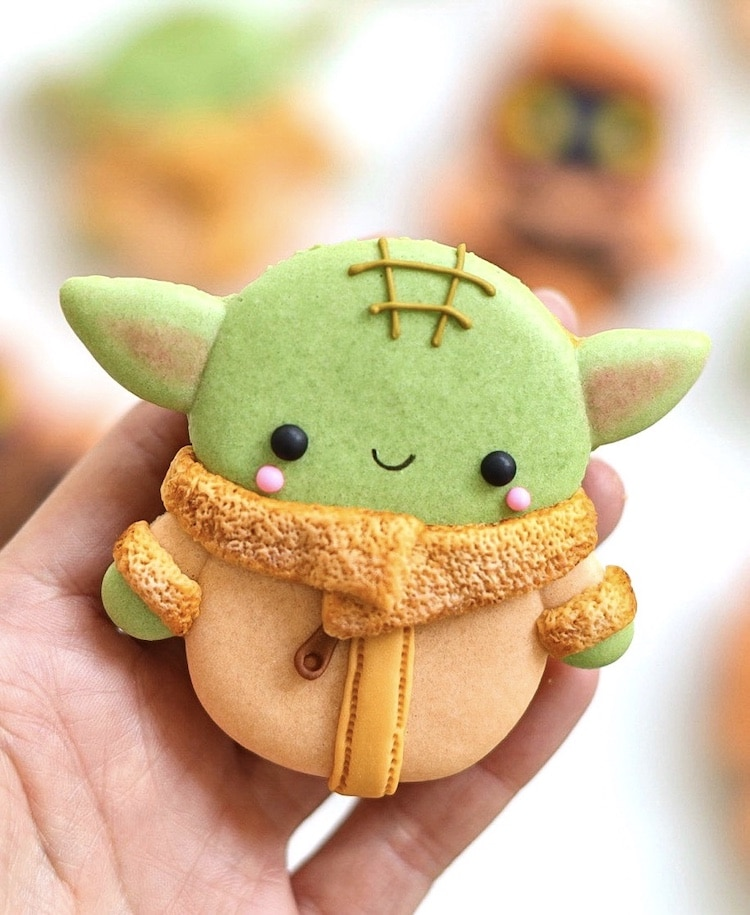 Baby Yoda Macaron