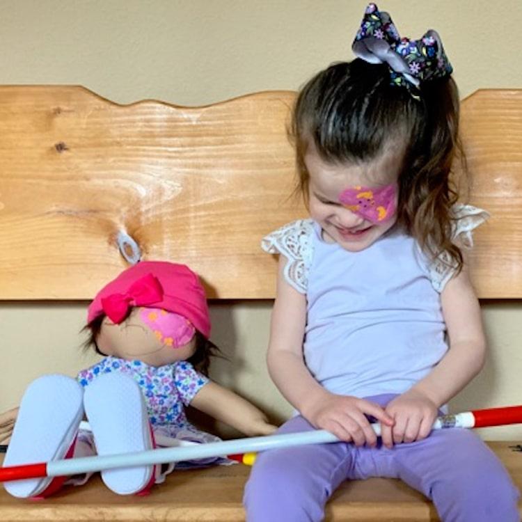 Amy Jandrisevits look-alike-dolls