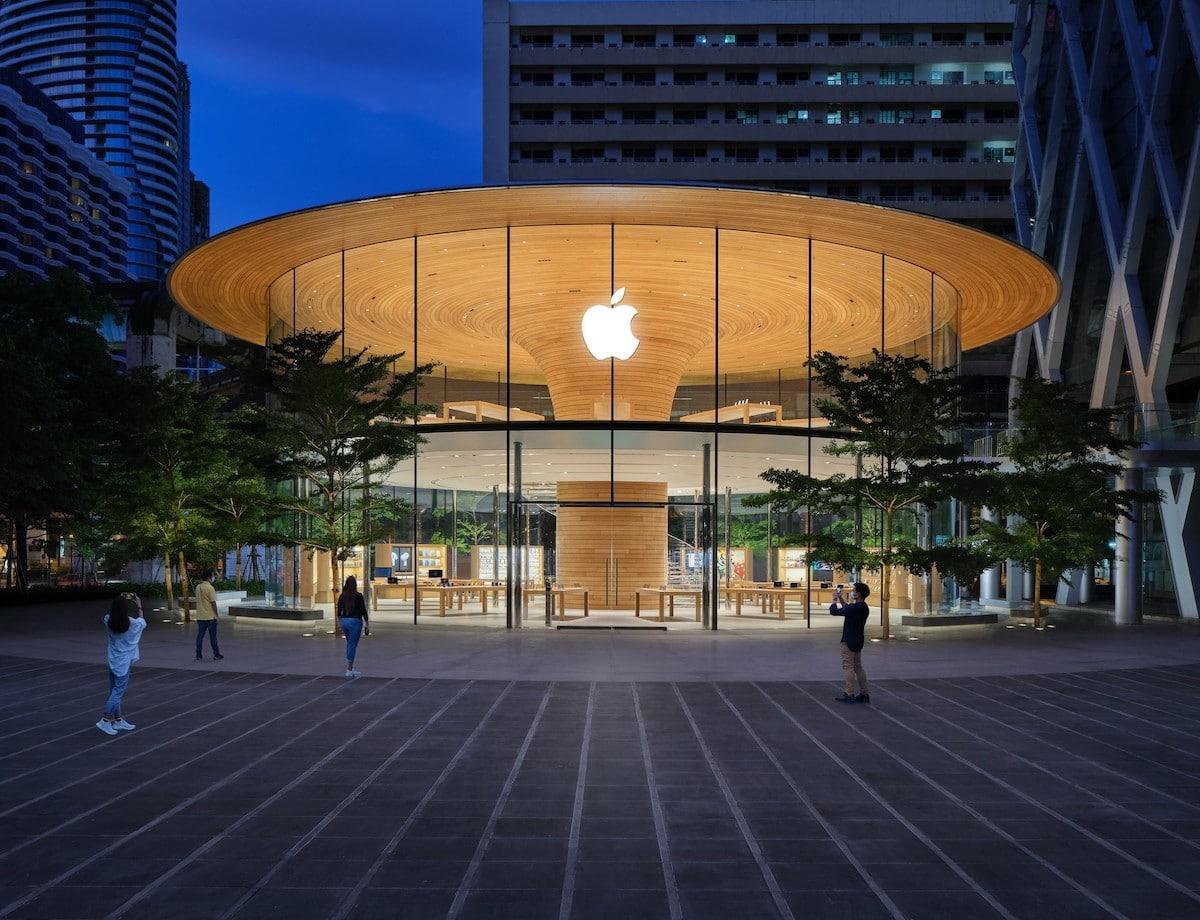 Apple Store en Bangkok por Foster + Partners