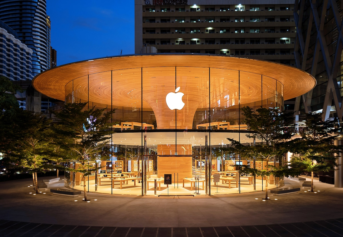 Exterior of the Apple Store in Bangkok at Night by Foster + Partners