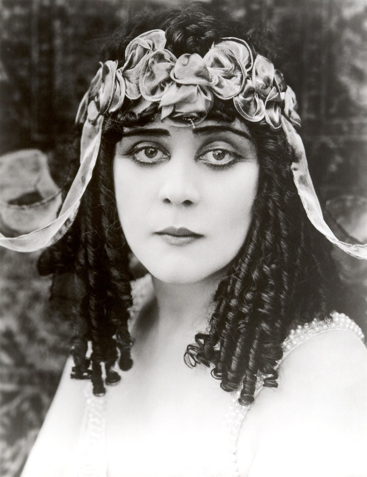 Theda Bara como Cleopatra
