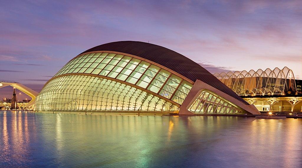 El Hemisférico en la Ciudad de las Artes y de las Ciencias en Valencia