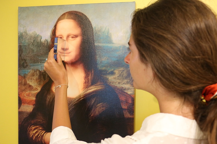 Mona Lisa Smile Happiness Museum