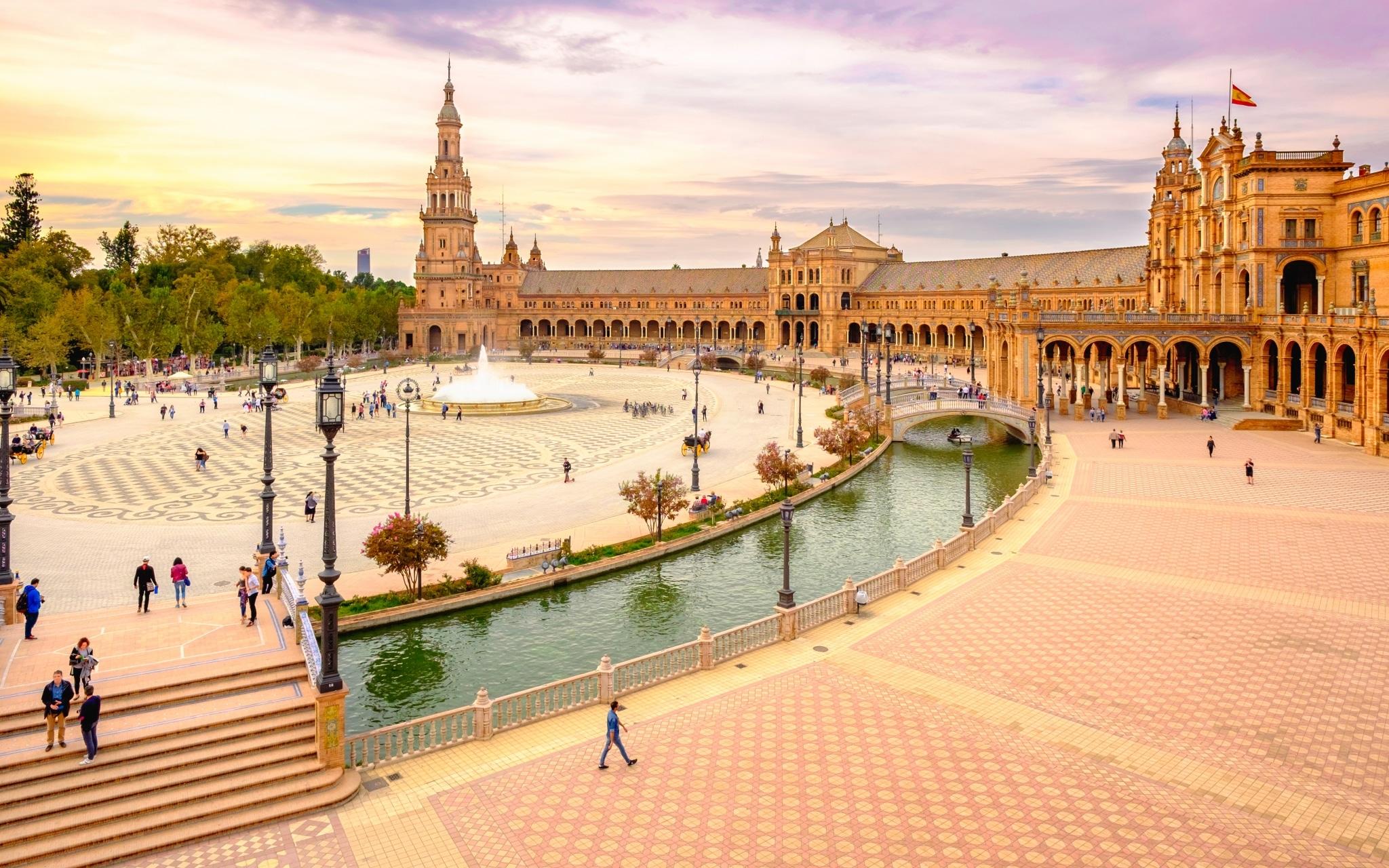 Plaza de España en Sevilla al atardecer