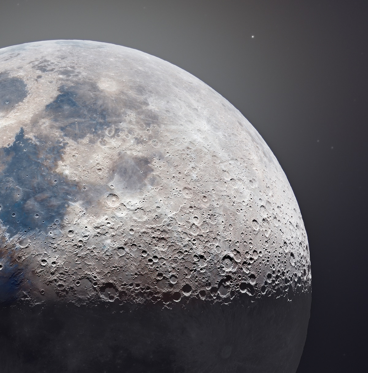 High Resolution Picture of the Moon
