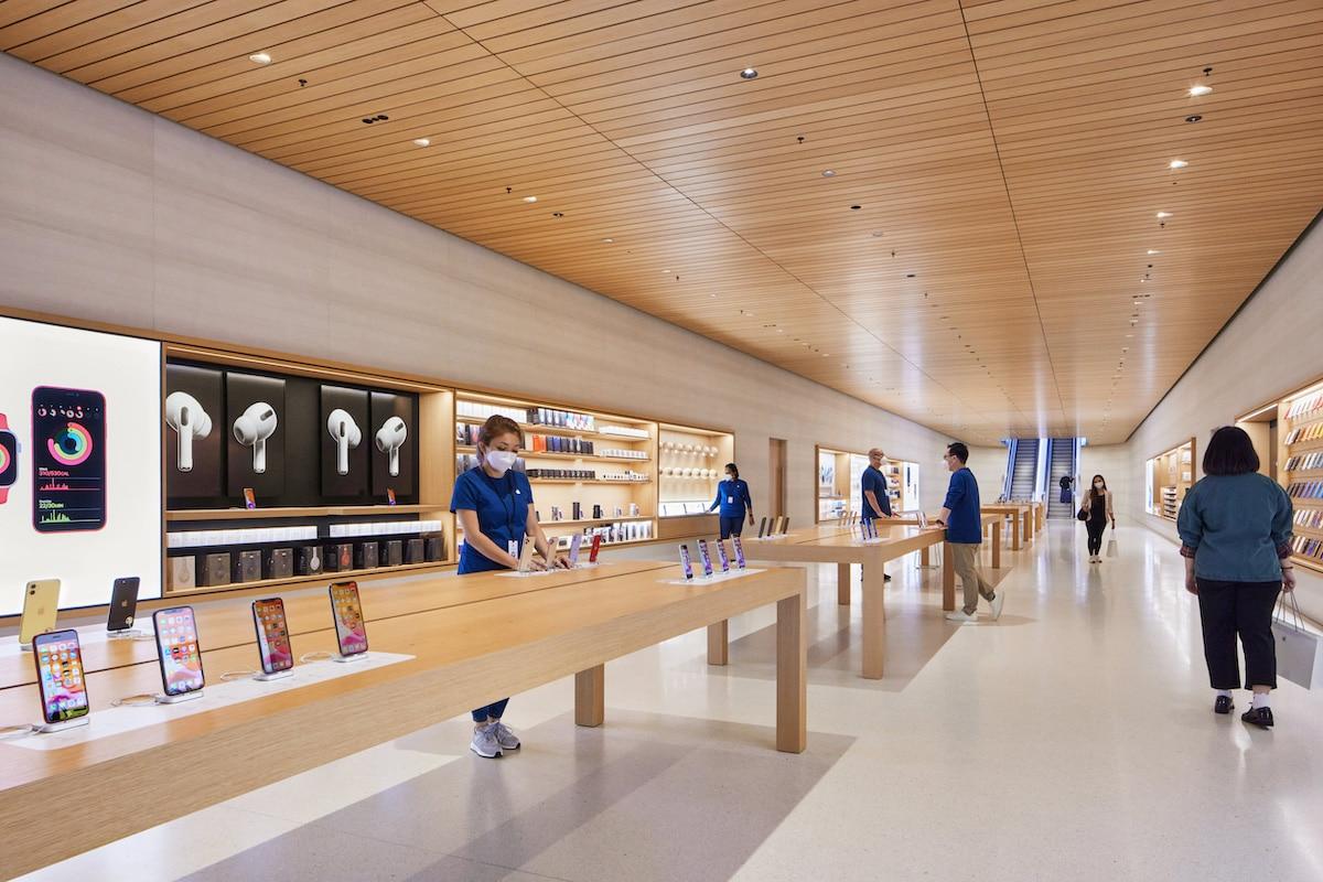 Apple Store Singapore Interior