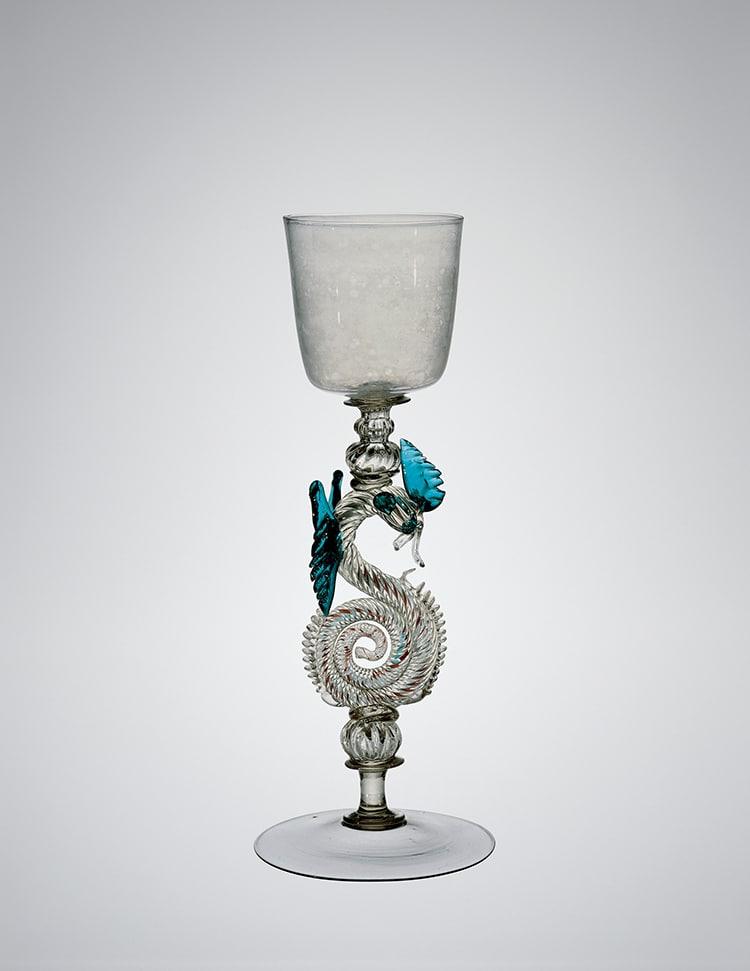 Cáliz de tallo de dragón, Venecia, Italia, 1630-1670.
